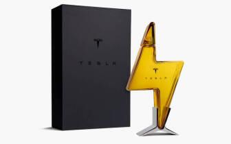 價值4,450的空酒瓶想買也買不到!限量「Tesla 閃電玻璃酒瓶」台灣開賣瞬間秒殺
