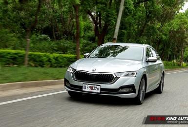 小公主上路︱大改款《Škoda Octavia Combi》四驅科技旅行車,只做超越級距的品質—動力操駕篇