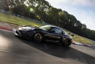 比GT4快了23.6秒!《Porsche 718 Cayman GT4 RS》紐柏林賽道成績出爐