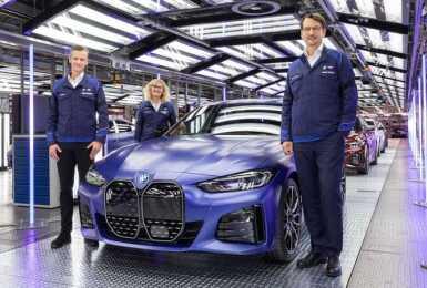 美國建議售價只要156.6萬元?品牌首款純電轎跑《BMW i4》慕尼黑正式下線 預計明年初登台